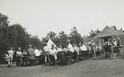 Ferienlager in Hünxe 1932 - Mittagessen