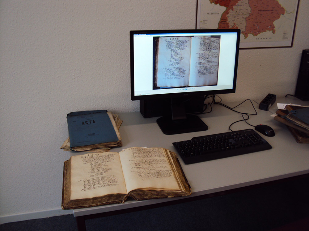 Familienforschung am Computer: Der Digitale Lesesaal der Evangelischen Archivstelle Boppard wird am 5. März eröffnet.