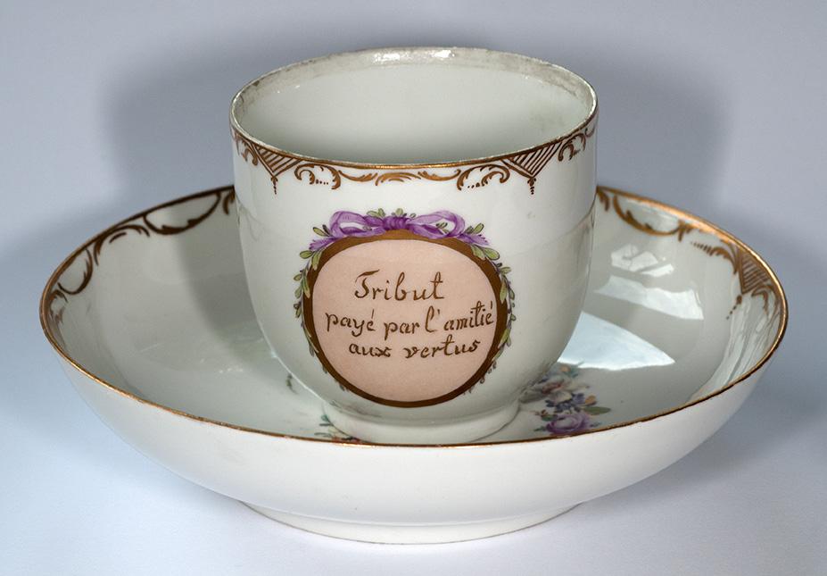 Porzellantasse als Geschenk für Pfarrer Denhard